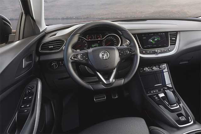 2019 Opel Grandland X Hybrid4 interior