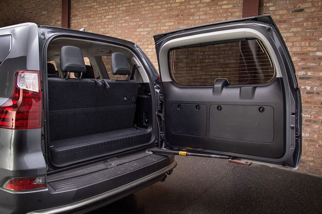 2021 Lexus GX cargo space