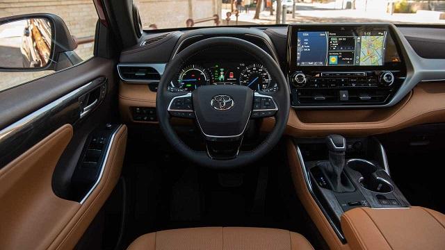 2021 Toyota Highlander Hybrid interior