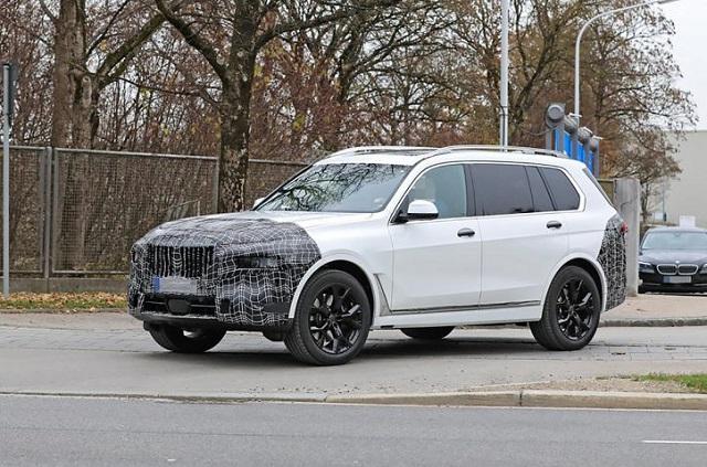 2022 BMW X7 spy shot