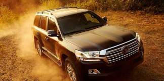 2019 Toyota Land Cruiser off road