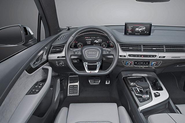 2019 Audi Q7 RS interior