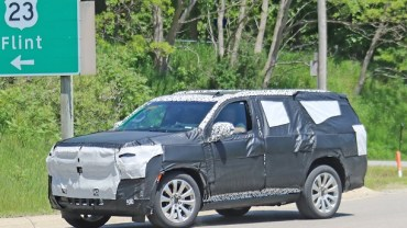 2021 Chevy Suburban Spy Photo
