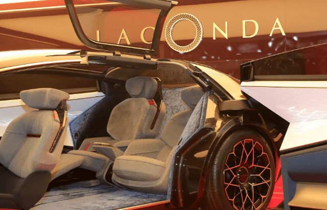 2021 Lagonda Electric SUV Interior