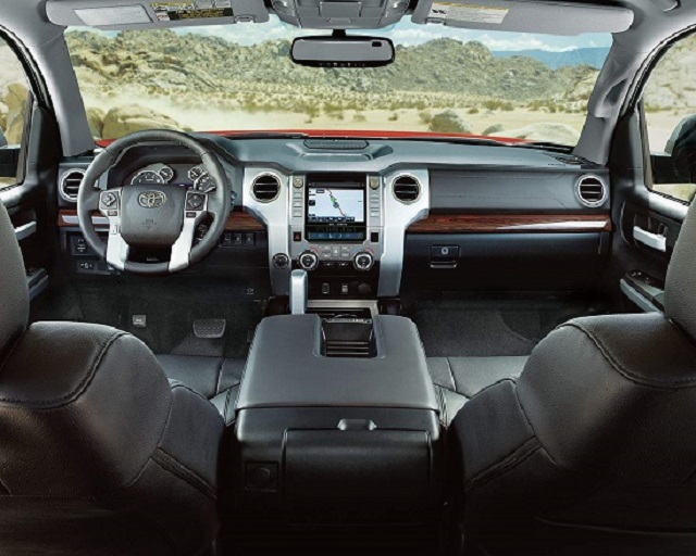 2020 Toyota Tundra vs Ram 1500 1