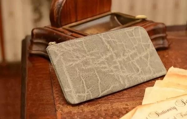 灰色(グレー)財布の風水の意味