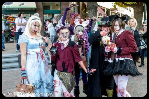 2012-10-20-0029-foco-zombie-crawl