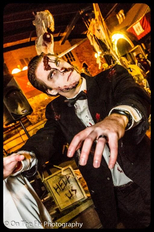 2012-10-20-0260-foco-zombie-crawl