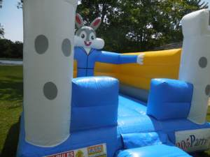 15Funny bunny bounce house moonwalk