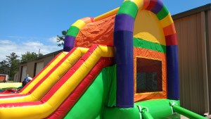 18Over the Rainbow bounce house combo