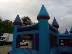 13Blue Sky moonwalk bounce house combo