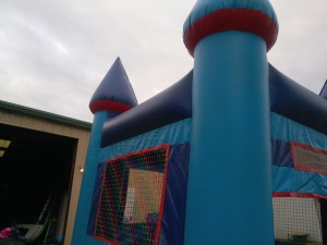 10Blue Sky moonwalk bounce house combo