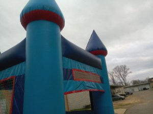 9Blue Sky moonwalk bounce house combo