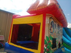 3Club house bounce house moonwalk