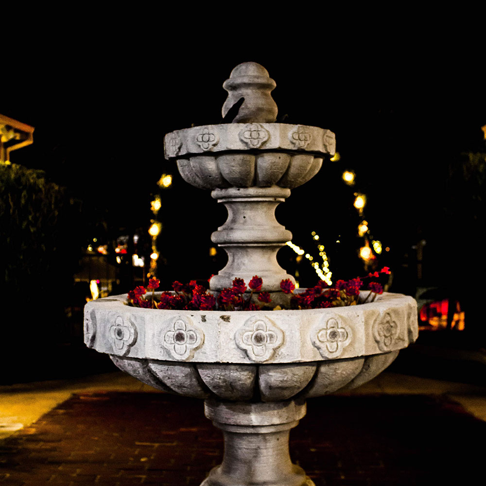 Los Gatos, CA lodging/Garden Inn Hotel fountain