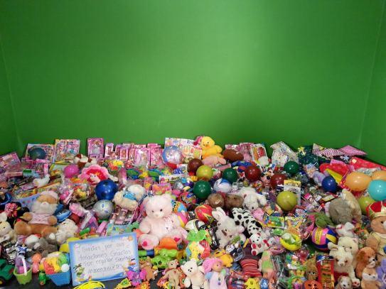 Parte de los juguetes donados por la gente.