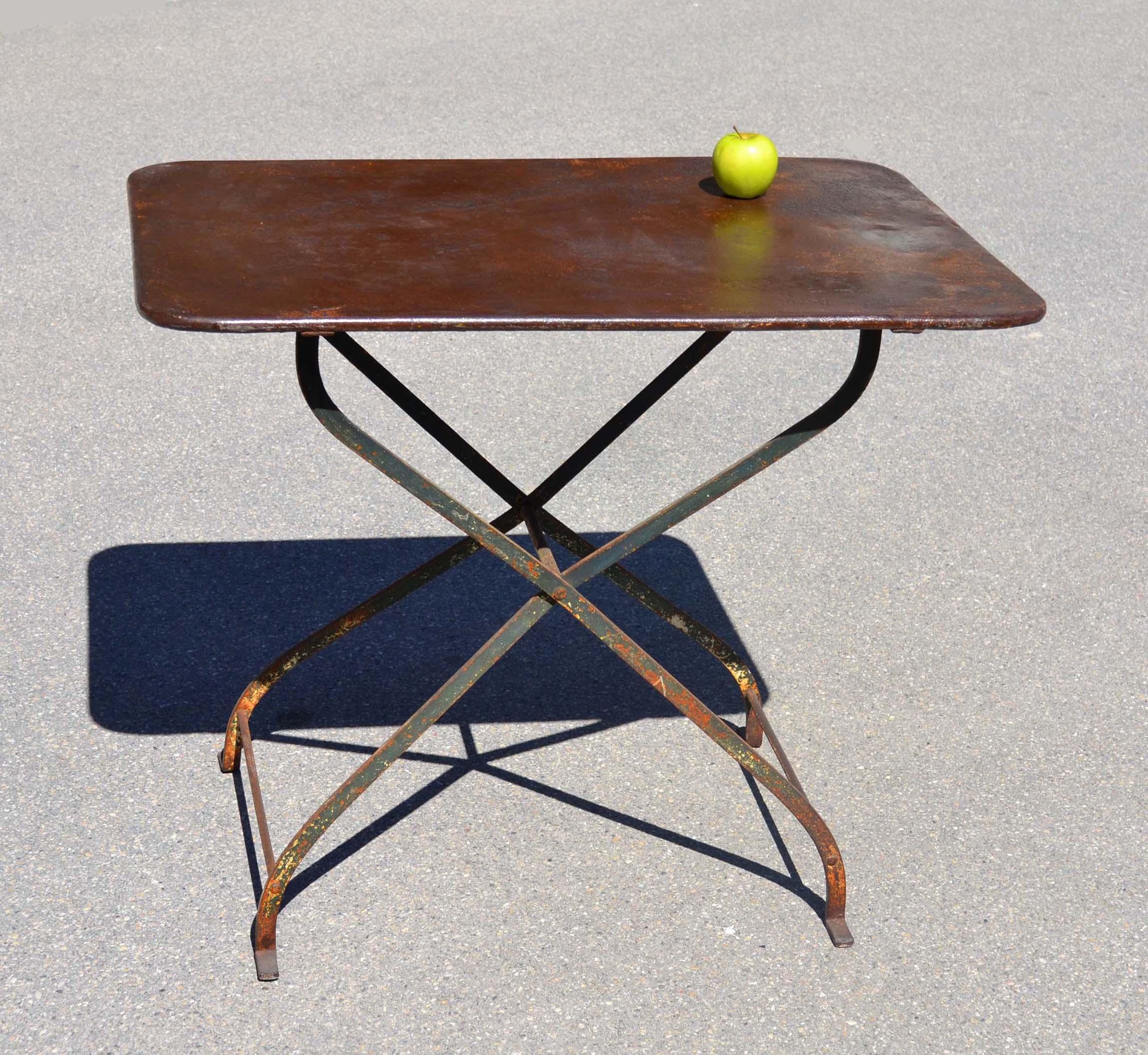Table De Jardin Petite Largeur   Confortable Extérieur Tendance En ...