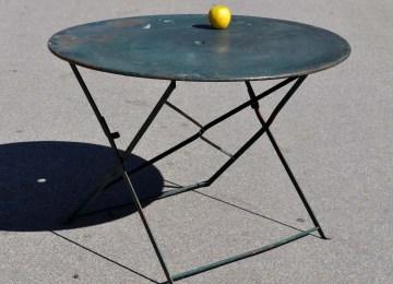 Table De Jardin Ronde Gamm Vert | Salon De Jardin En Fer Forgé Les ...