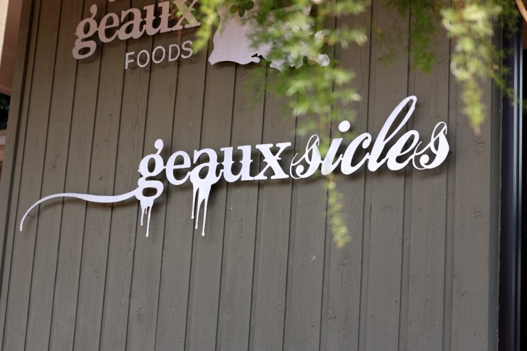A photo of the Geauxsicles sign