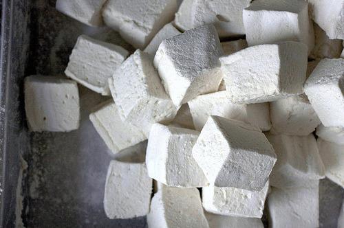smitten kitchen's homemade marshmallows .