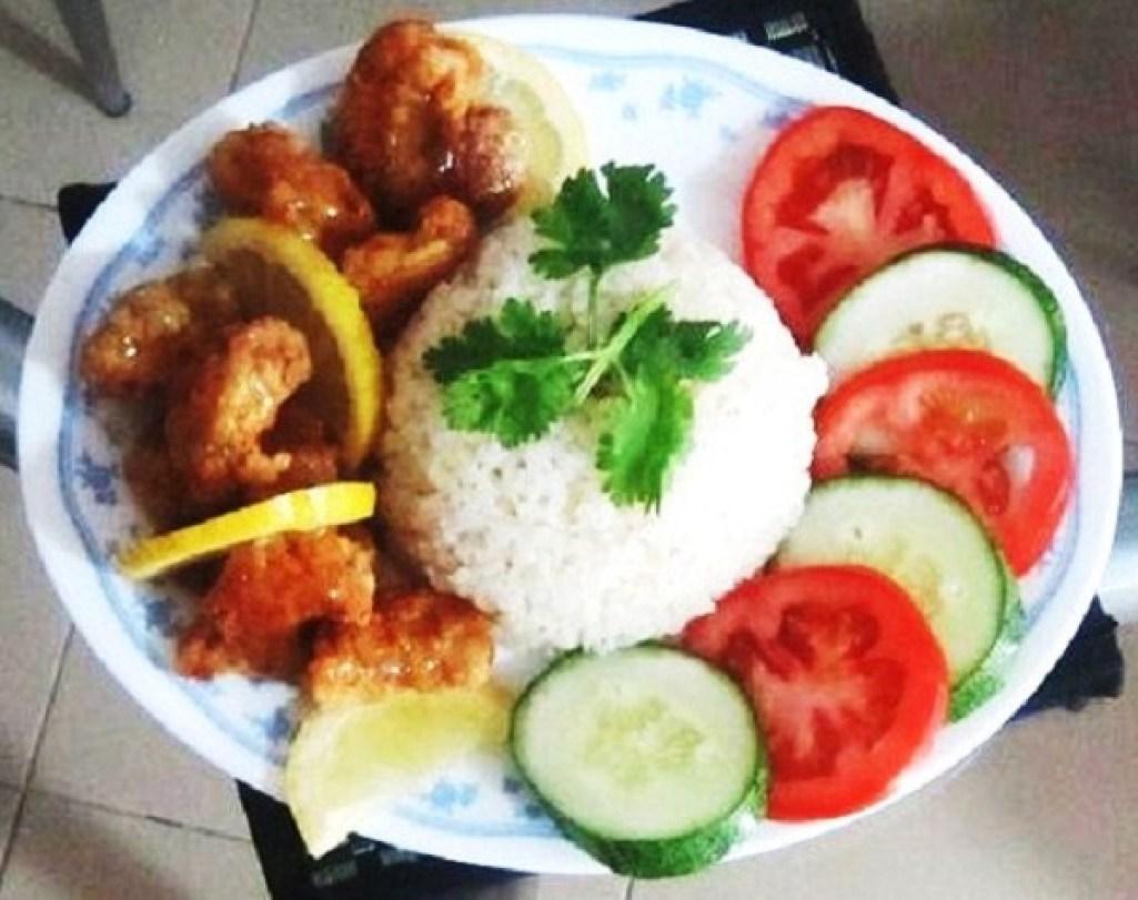 Lemon Sauce Chicken And Chicken Rice