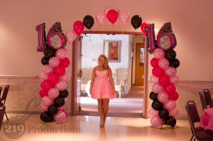 Susie's Ballon Arch for her sweet 16