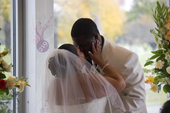 Innsbrook Country Club First Kiss Wedding Disc Jockey
