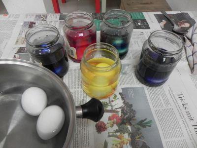 Taller Colorear Huevos0006