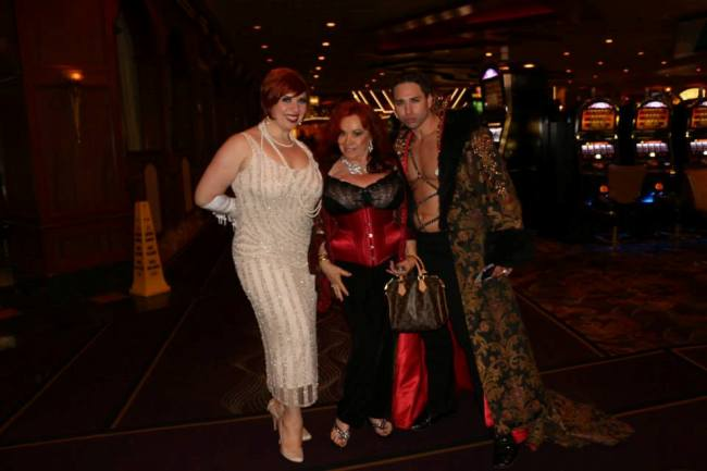 Friday night dinner with Kitten Natividad and Jett Adore.  ©Frenchie Kiss (Burlesque Hall of Fame Weekend)