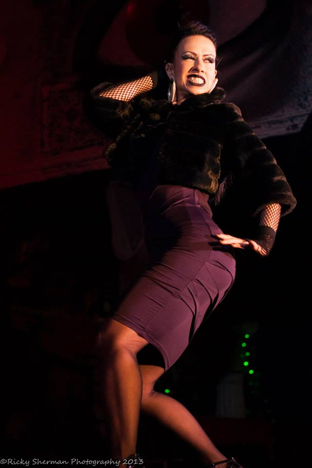 Sweetpea at the Show Me Burlesque Festival 2013.  ©Ricky Sherman