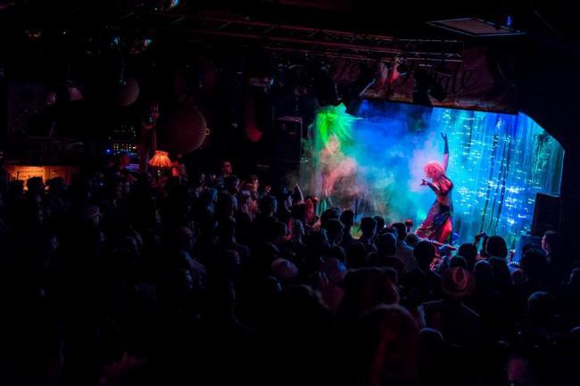 Minnie Tonka performing in La Fete Fatale in Berlin.  ©Magnus Beuys.