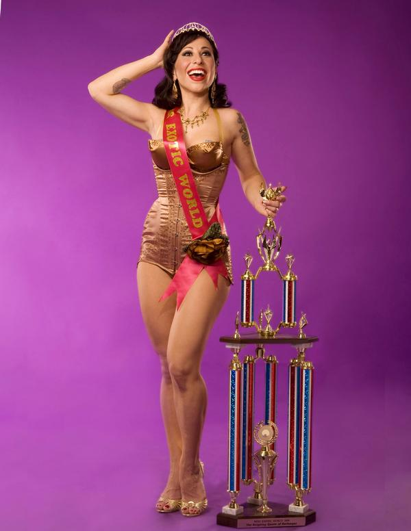 Angie Pontani, Miss Exotic World, Reigning Queen of Burlesque 2008.  ©Don Spiro   (Interview: Angie Pontani – 21st Century Burlesque Magazine)