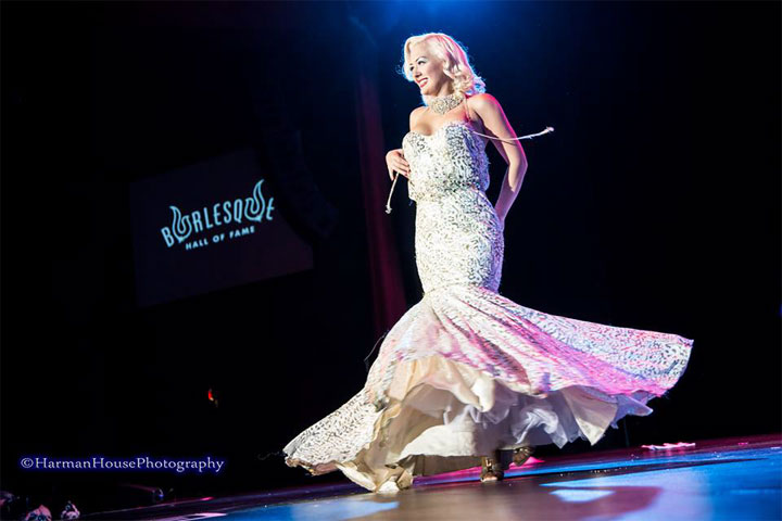 Missy Lisa competing for Best Debut at the Burlesque Hall of Fame Weekend 2014 Tournament of Tease. ©Chris Harman/Harman House Photography