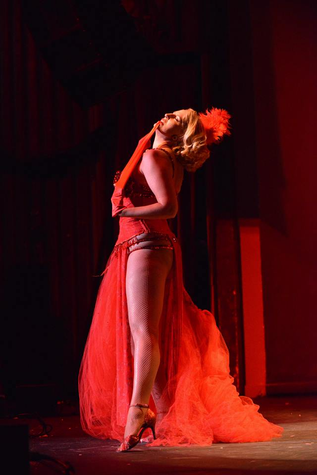 Vivienne VaVoom at the Colorado Burlesque Festival 2014.  ©Trout Imagery