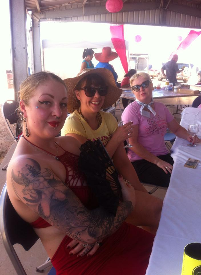 Kerry X, Sarina and Dolores in the desert.  ©Lola the Vamp/Sarina Del Fuego