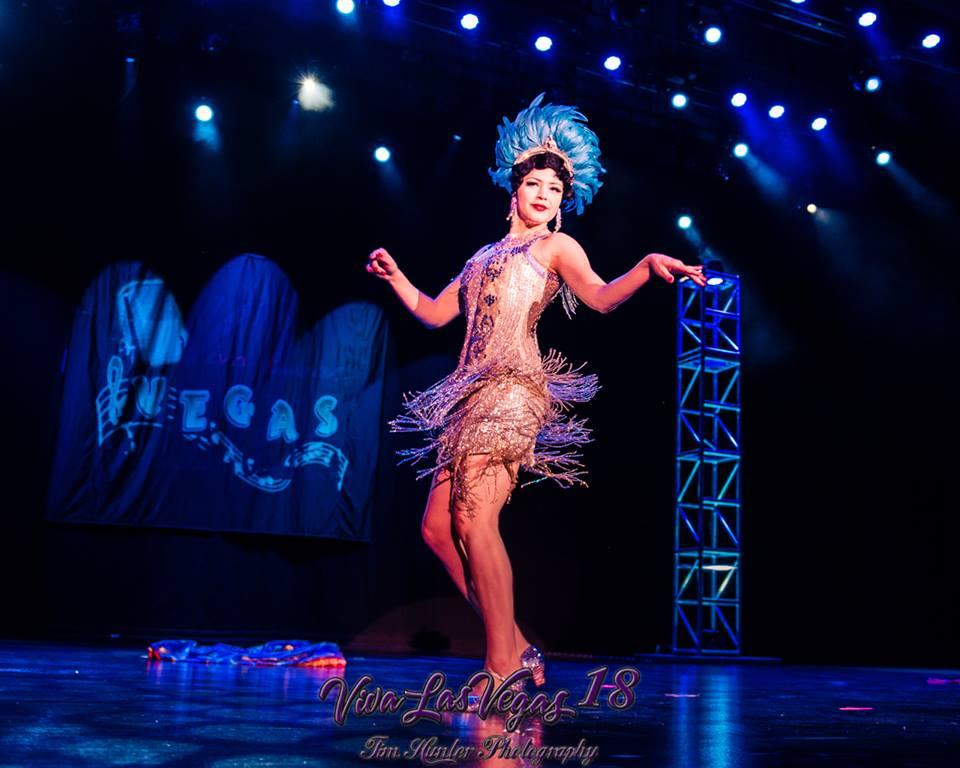 Bonnie Fox in the Viva Las Vegas 2015 burlesque showcase.  ©Tim Hunter