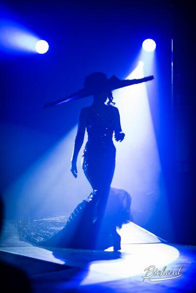 Madame de Voila in Between the Sheets: An Intimate Cabaret at London Wonderground 2015.  ©John-Paul Bichard