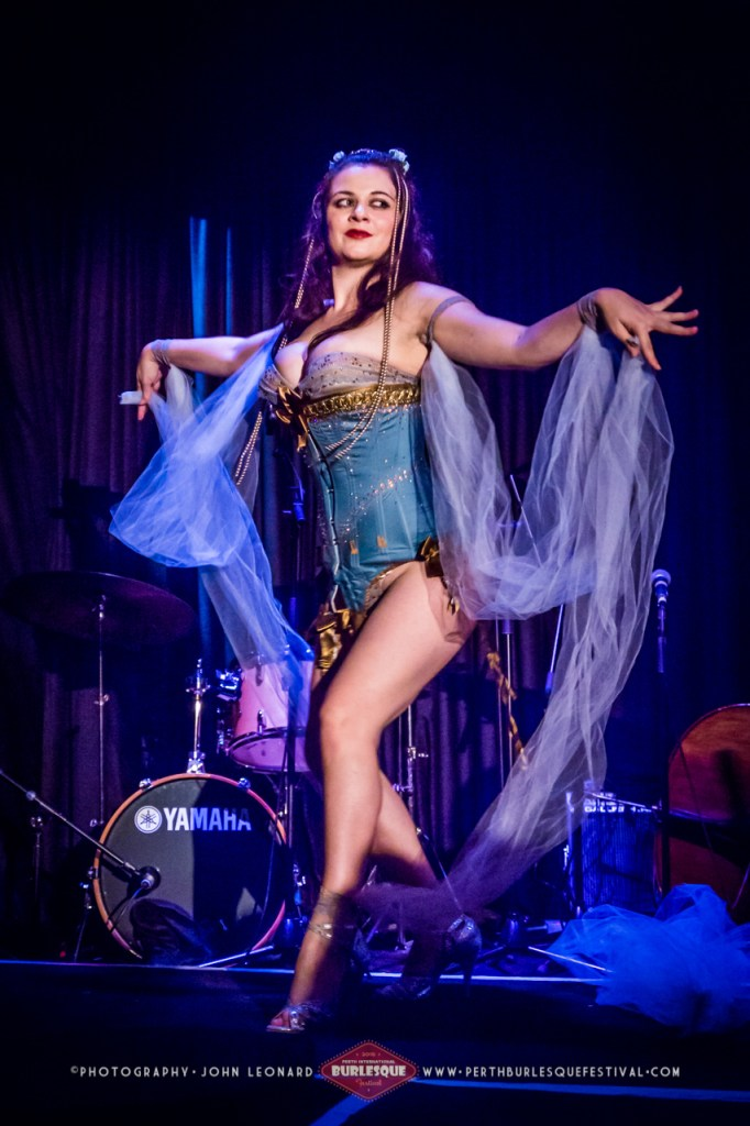Lola The Vamp at the Perth International Burlesque Festival. ©John Leonard