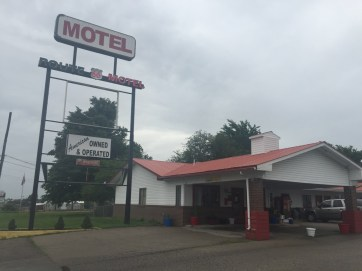 Lots of mom and pop motels in MO.