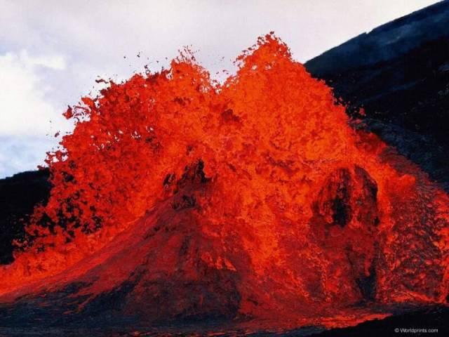 Oheň, voda a vzduch disponují větší ničivou silou, nežli jakákoli lidmi vyrobená zbraň. Bohužel erupce, tsunami, zemětřesení a další jevy se vědcům ještě stále nedaří spolehlivě předvídat a už vůbec jim nedokážeme zabránit.