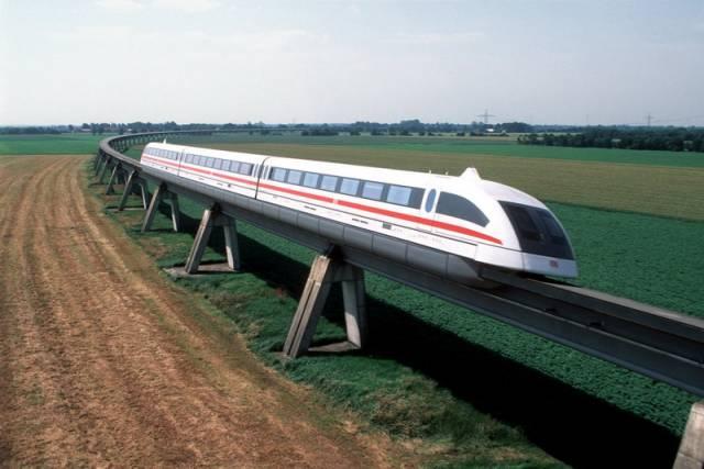 Rychlosti 581 kilometrů za hodinu dosáhl na začátku loňského prosince japonský superrychlý vlak Maglev na speciální dráze mezi městy Curu a Ocuki v prefektuře Jamanaši. Snížil na hodinu cestu, kterou je třeba urazit mezi Tokiem a druhým největším městem Japonska Ósakou a jež nyní trvá 2,5 hodiny v rychlovlaku Šikansen. Cílem experimentu bylo přezkoušet stabilitu vlaku, který se pohybuje se na bázi magnetické levitace.