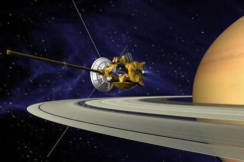 Přelet sondy Cassini okolo Saturnova měsíce Titan přinesl některé poznatky, jež naznačují, že na tomto tajemném vesmírném tělese mohou probíhat procesy, jaké se kdysi odehrávaly na Zemi.