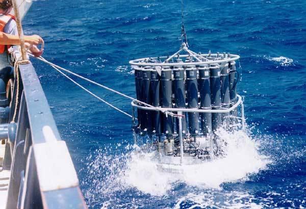 Nečekaný objev pokud jde o možnosti ovlivňování života v oceánech právě učinili účastníci mezinárodní expedice: Zjistili existenci zvláštních mikroorganismů, které dokážou vyprodukovat dostatečné množství dusíku tam, kde ve vodě nedostačuje.