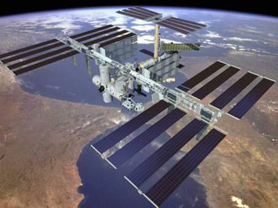 Američan Leroy Chiao a Rus Saližan Šaripov, kteří v současné době pobývají na Mezinárodní vesmírné stanici (ISS), se vydají na první výlet do volného prostoru v průběhu své mise.