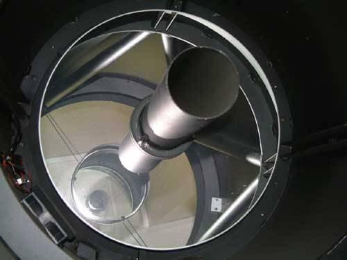 Astronomické optické dalekohledy patří mezi jedny z nejsložitějších zařízení. Největší dalekohled v ČR, o průměru zrcadla 2 metry, je umístěn v Astronomickém  ústavu AV ČR v Ondřejově u Prahy. Časopis 21. STOLETÍ přináší přehled deseti největších optických astronomických dalekohledů světa.