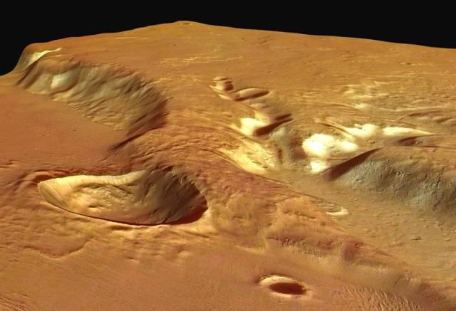 Nové detailní snímky povrchu rudé planety pořídila v těchto dnech vesmírná sonda Mars Express. Zachytila na nich málo známý region s příkrými svahy.