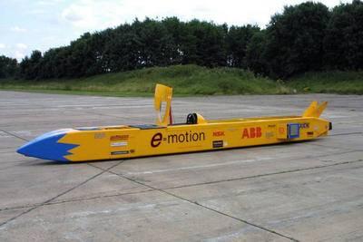 Horká aktualita!  Tým specialistů ze společnosti ABB se právě dnes pokusí v Nevadě překonat pozemní rychlostní rekord pro elektrická vozidla.