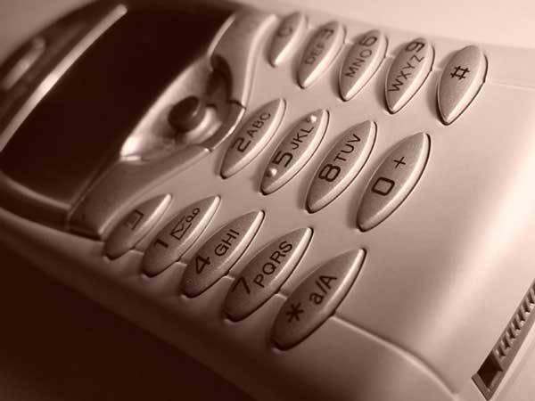 Jste příznivcem extrémních sportů, horolezectví či seskoků s padákem? Pohybujete se často v přírodě a máte strach, že si zničíte mobil? Pořiďte si odolný, outdoorový telefon!