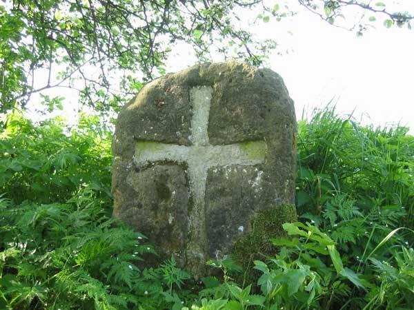 Před 70 lety se našla pod kamenným křížem u Židlova na Českolipsku kostra s rolničkami. Podle nich se soudilo, že by mohlo jít o nomádský hrob ze 7.- 8. století.