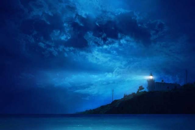 Majáky od dávných dob osvětlují zrádná místa moří a oceánů, a tak zachraňují lidské životy. Kromě navigační funkce jsou však často i architektonickými unikáty. Redakce 21. STOLETÍ pro vás vybrala ty nejzajímavější majáky světa!